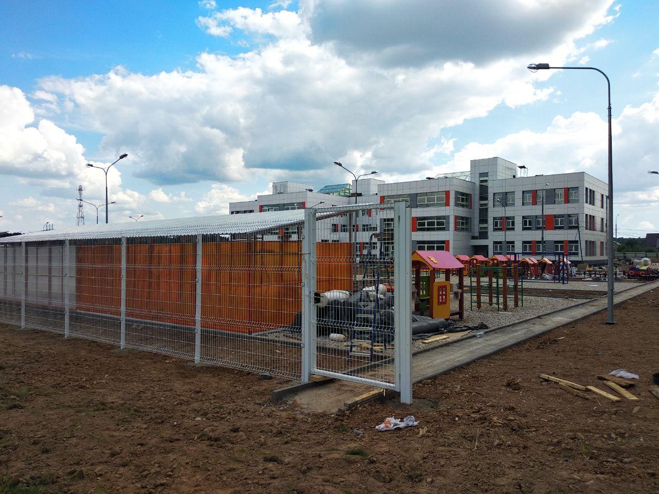 Площадки у детского сада в Боброво